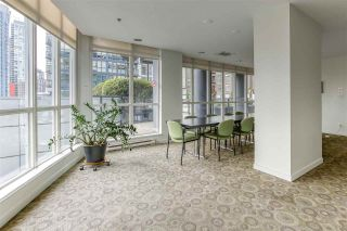 "Photo 5: 808 1155 SEYMOUR Street in Vancouver: Downtown VW Condo for sale in ""BRAVA!!!"" (Vancouver West)  : MLS®# R2508756"