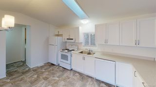 Photo 5: 2-1581 MIDDLE ROAD  |  MOBILE HOME FOR SALE VICTORIA BC