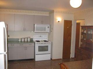 Photo 3: Marvelous 5 Bedroom Bungalow