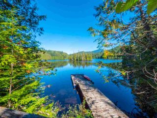 """Photo 31: 13702 CAMP BURLEY Road in Garden Bay: Pender Harbour Egmont House for sale in """"Mixal Lake"""" (Sunshine Coast)  : MLS®# R2485235"""