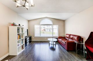 Photo 4: 2930 WALTON Avenue in Coquitlam: Canyon Springs House for sale : MLS®# R2571500