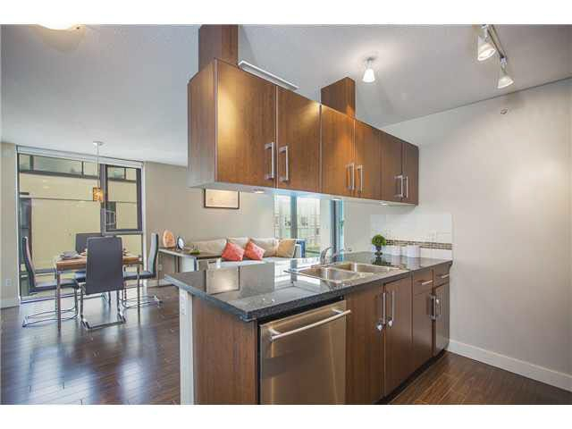 """Photo 6: Photos: 702 587 W 7TH Avenue in Vancouver: Fairview VW Condo for sale in """"AFFINITI"""" (Vancouver West)  : MLS®# V1118328"""