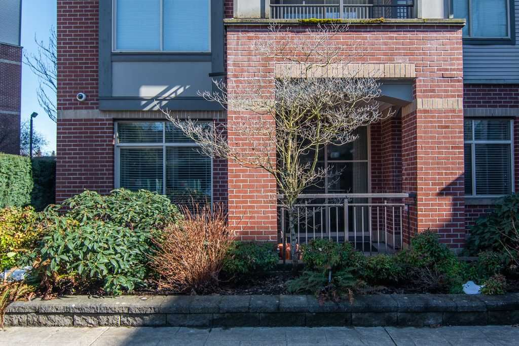 """Photo 16: Photos: 115 10455 UNIVERSITY Drive in Surrey: Whalley Condo for sale in """"D'Corize"""" (North Surrey)  : MLS®# R2347944"""