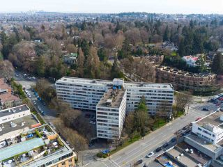 """Photo 17: 104 1445 MARPOLE Avenue in Vancouver: Fairview VW Condo for sale in """"Hycroft Towers"""" (Vancouver West)  : MLS®# R2554611"""