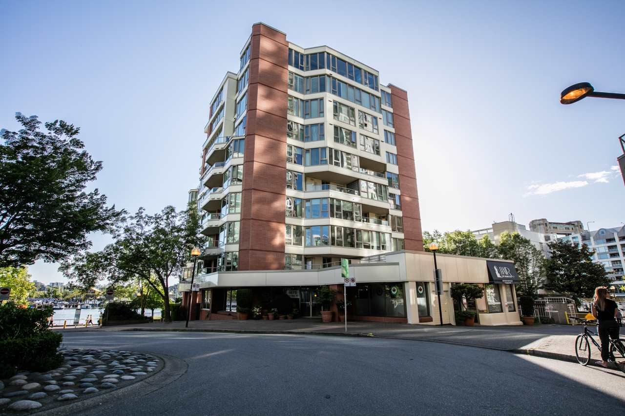 "Main Photo: 401 1675 HORNBY Street in Vancouver: Yaletown Condo for sale in ""SEA WALK SOUTH"" (Vancouver West)  : MLS®# R2066164"