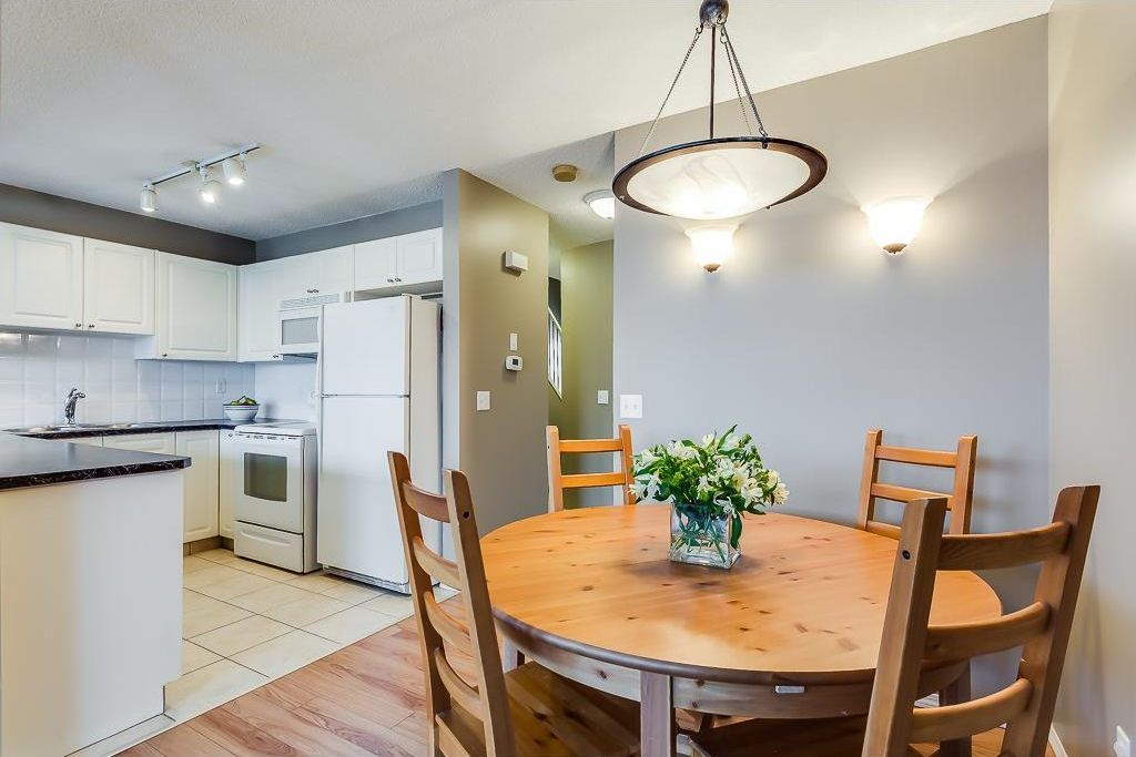 Photo 5: Photos: 137 MILLVIEW Square SW in Calgary: Millrise House for sale : MLS®# C4145951