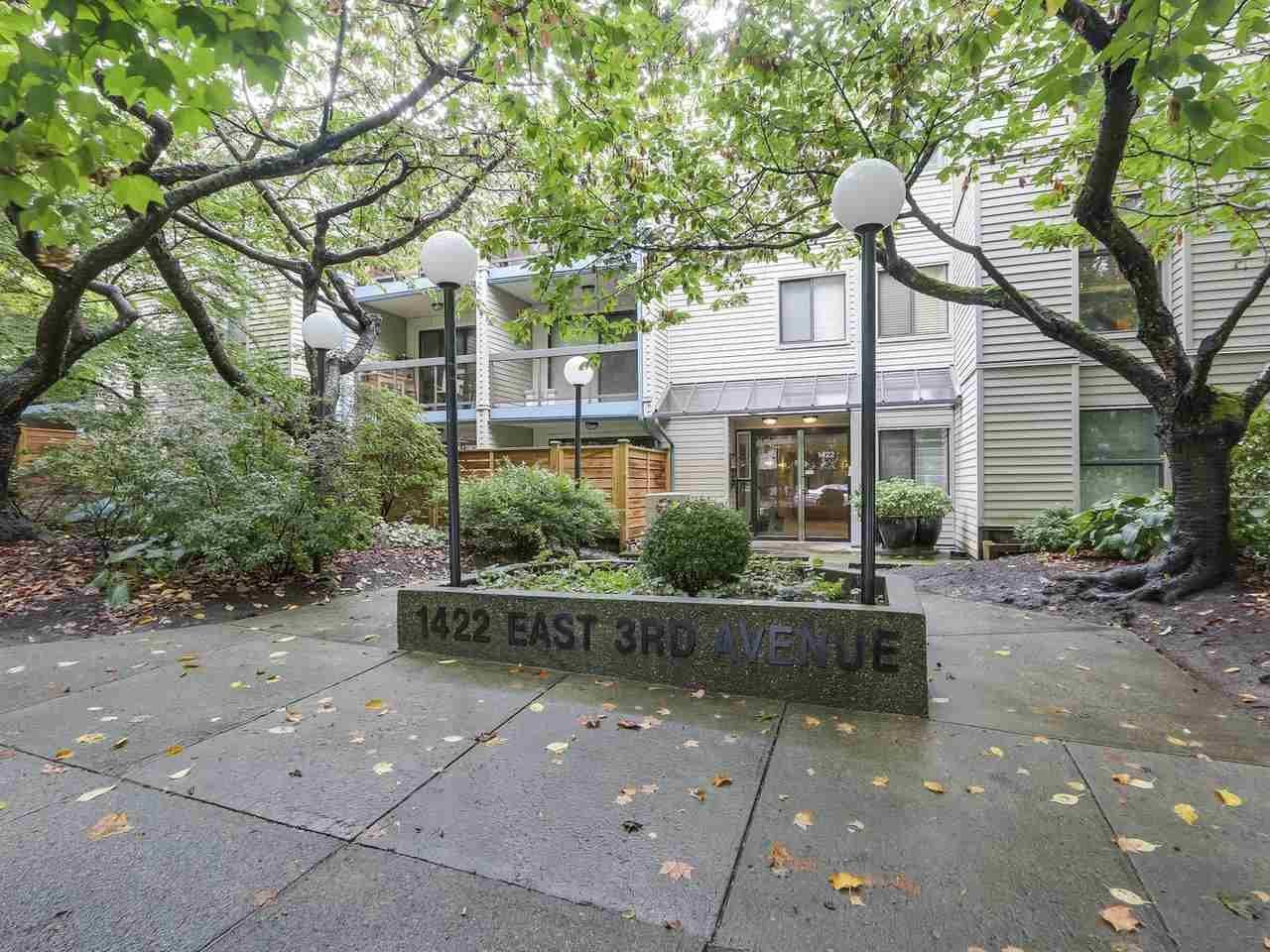 """Main Photo: 308 1422 E 3RD Avenue in Vancouver: Grandview VE Condo for sale in """"La Contessa"""" (Vancouver East)  : MLS®# R2304077"""