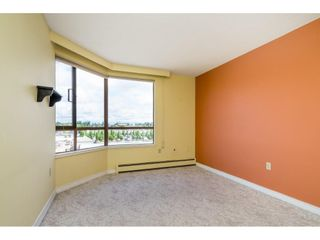 """Photo 17: 812 15111 RUSSELL Street: White Rock Condo for sale in """"PACIFIC TERRACE"""" (South Surrey White Rock)  : MLS®# R2593508"""
