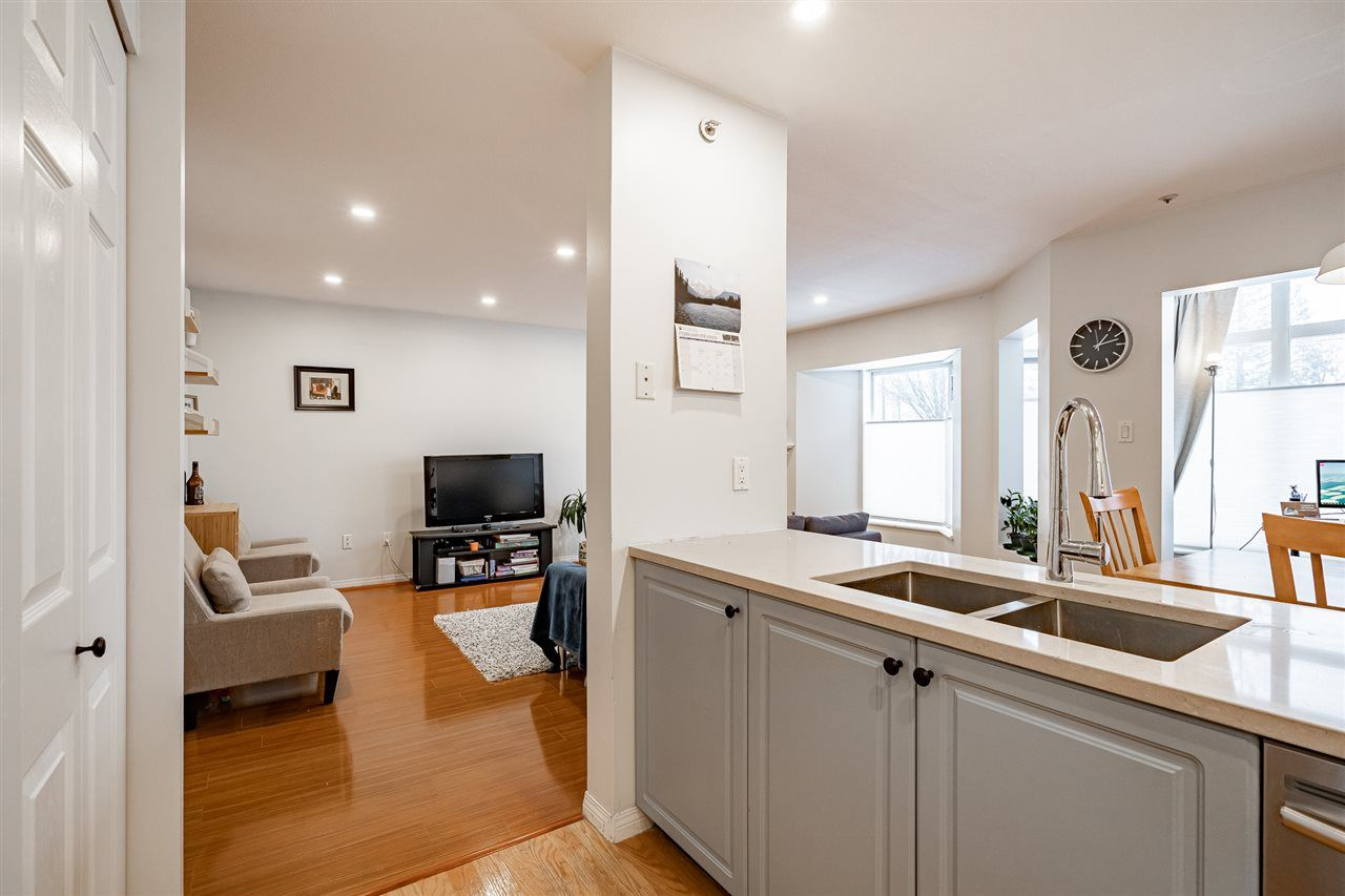 """Photo 8: Photos: 108 2677 E BROADWAY in Vancouver: Renfrew VE Condo for sale in """"BROADWAY GARDENS"""" (Vancouver East)  : MLS®# R2434845"""