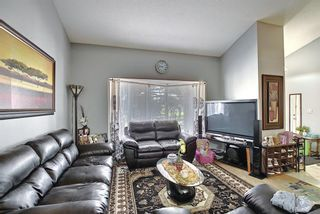 Photo 3: 3508 Fonda Way SE in Calgary: Forest Heights Detached for sale : MLS®# A1108307