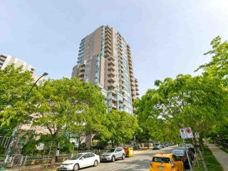 """Photo 19: 1802 5189 GASTON Street in Vancouver: Collingwood VE Condo for sale in """"THE MACGREGOR"""" (Vancouver East)  : MLS®# R2369458"""