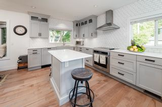 Photo 8: 6486 YEW Street in Vancouver: Kerrisdale House for sale (Vancouver West)  : MLS®# R2620297