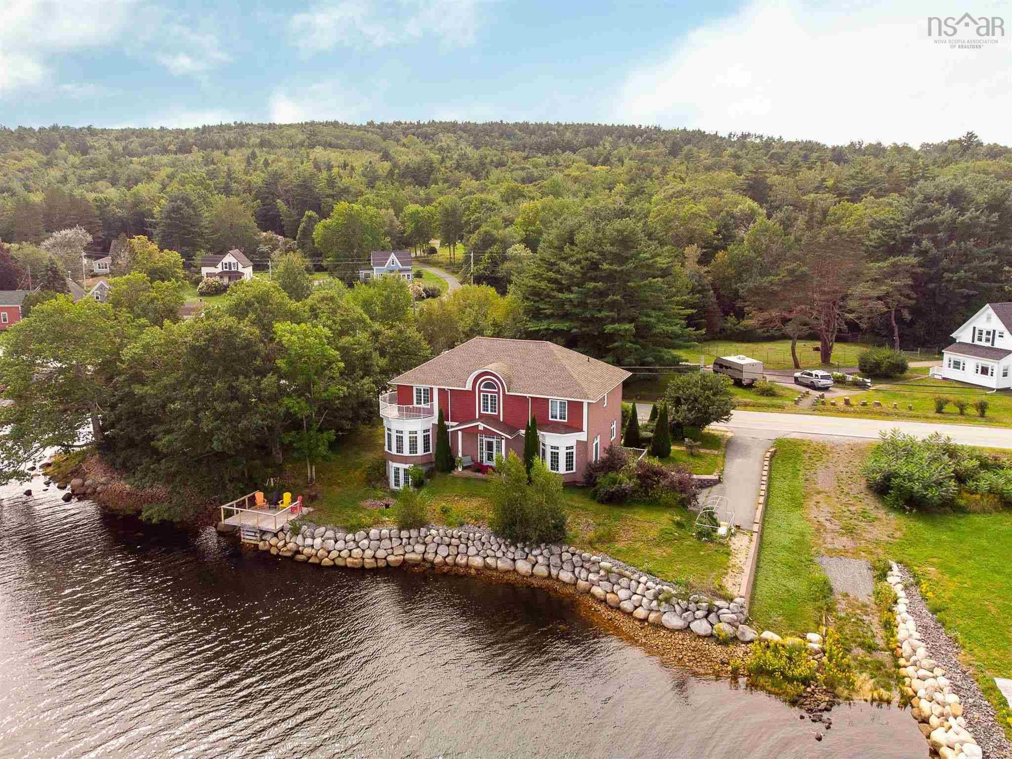 Main Photo: 1007 Highway 331 in Conquerall Bank: 405-Lunenburg County Residential for sale (South Shore)  : MLS®# 202123243