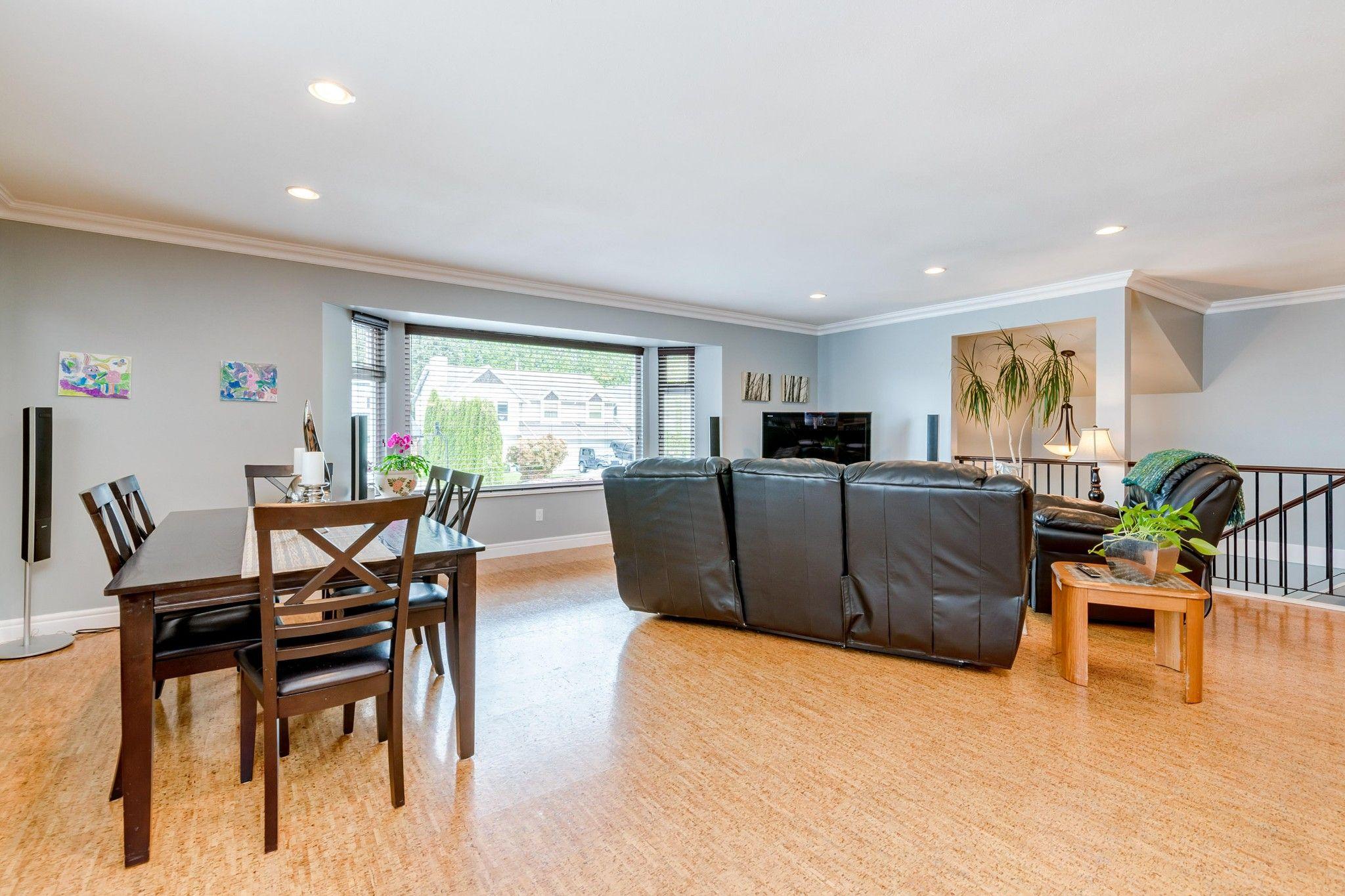 Photo 7: Photos:  in : Southwest Maple Ridge House for sale (Maple Ridge)  : MLS®# R2455980