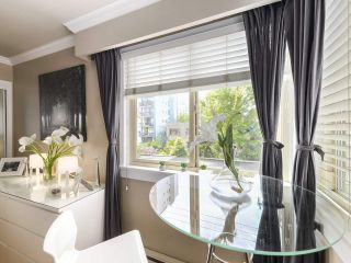 """Photo 4: 213 1940 BARCLAY Street in Vancouver: West End VW Condo for sale in """"Bourbon Court"""" (Vancouver West)  : MLS®# R2473241"""