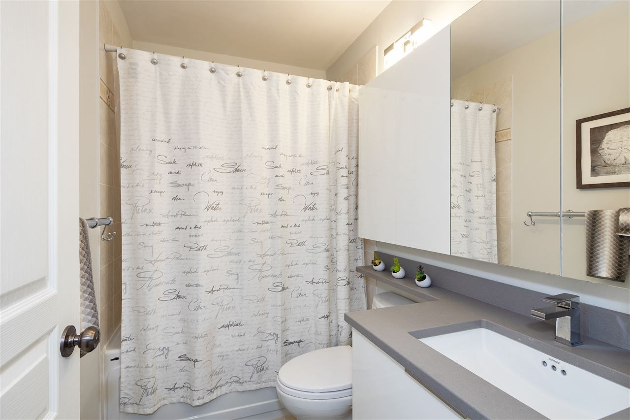 """Photo 13: Photos: 304 2175 SALAL Drive in Vancouver: Kitsilano Condo for sale in """"SAVONA"""" (Vancouver West)  : MLS®# R2460971"""
