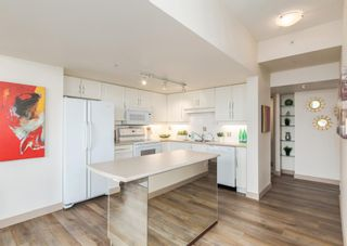 Photo 2: 2302 650 10 Street SW in Calgary: Downtown West End Apartment for sale : MLS®# A1133390