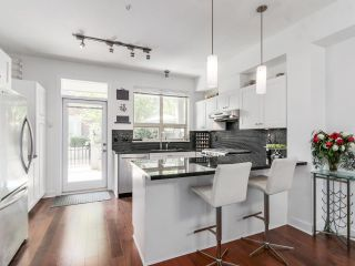 Photo 7: 764 E 29TH AVENUE in Vancouver: Fraser VE Townhouse for sale (Vancouver East)  : MLS®# R2142203
