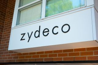 """Photo 3: 211 2768 CRANBERRY Drive in Vancouver: Kitsilano Condo for sale in """"ZYDECO"""" (Vancouver West)  : MLS®# R2598396"""