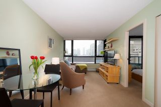Photo 5: 710 928 HOMER STREET in Vancouver: Yaletown Condo for sale (Vancouver West)  : MLS®# R2429120