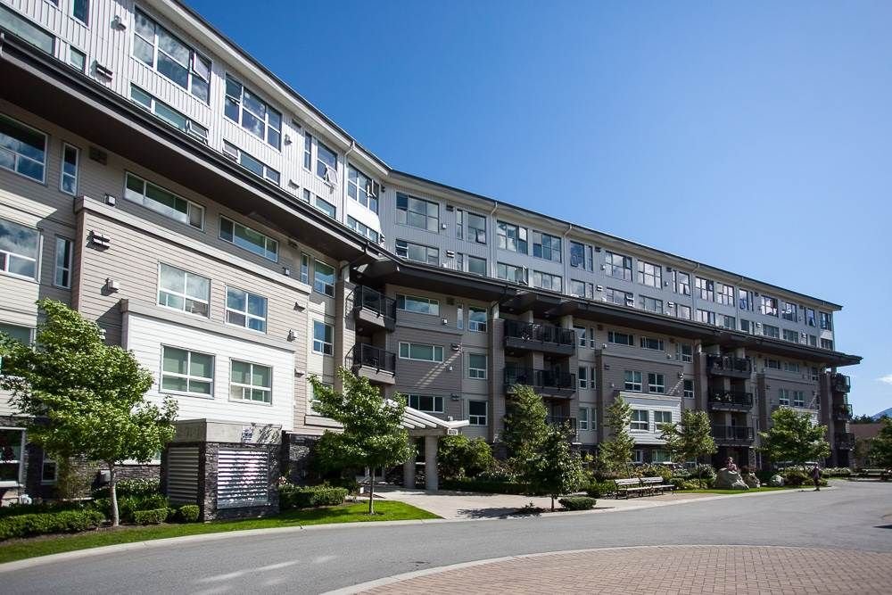 "Main Photo: 601 1212 MAIN Street in Squamish: Downtown SQ Condo for sale in ""Aqua"" : MLS®# R2096454"