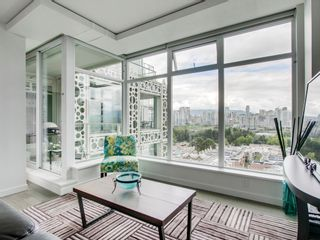 """Photo 3: 905 728 W 8TH Avenue in Vancouver: Fairview VW Condo for sale in """"700 WEST8TH"""" (Vancouver West)  : MLS®# R2082142"""