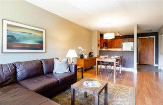 """Photo 3: 401 675 PARK Crescent in New Westminster: GlenBrooke North Condo for sale in """"WINCHESTER"""" : MLS®# R2304752"""