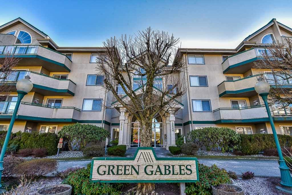 "Main Photo: 413 32044 OLD YALE Road in Abbotsford: Abbotsford West Condo for sale in ""GREEN GABLES"" : MLS®# R2242235"