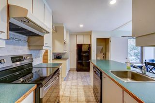 Photo 10: 67 Chancellor Way NW in Calgary: Cambrian Heights Detached for sale : MLS®# A1118137