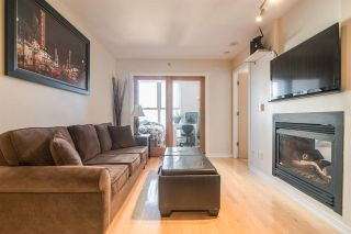"""Photo 2: 1705 969 RICHARDS Street in Vancouver: Downtown VW Condo for sale in """"Mondrian II"""" (Vancouver West)  : MLS®# R2344228"""