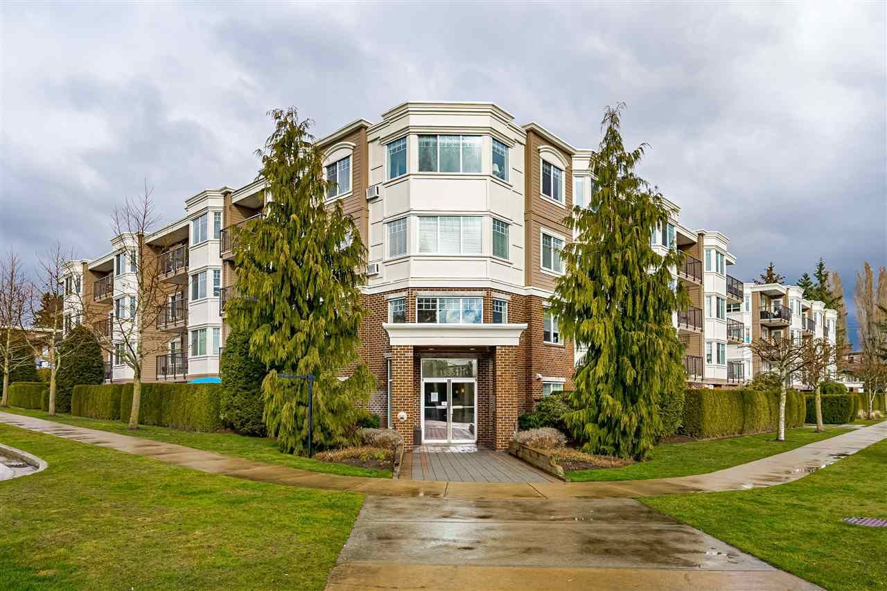 "Main Photo: PH5 15357 ROPER Avenue: White Rock Condo for sale in ""REGENCY COURT"" (South Surrey White Rock)  : MLS®# R2547054"