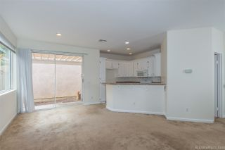 Photo 3: CHULA VISTA House for sale : 3 bedrooms : 940 Caminito Estrella