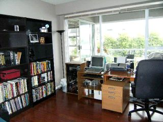 """Photo 8: 310 1990 E KENT Avenue in Vancouver: Fraserview VE Condo for sale in """"Harbour House"""" (Vancouver East)  : MLS®# V775998"""