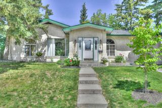 Photo 2: 6 Roseview Drive NW in Calgary: Rosemont Detached for sale : MLS®# A1112987