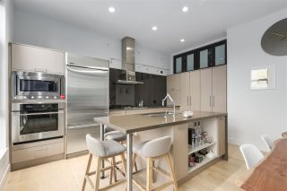 """Photo 3: 203 220 SALTER Street in New Westminster: Queensborough Condo for sale in """"Glasshouse Lofts"""" : MLS®# R2332600"""