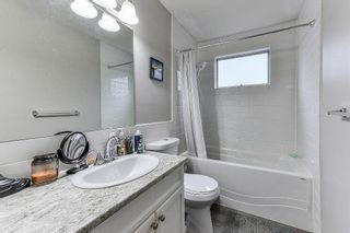 Photo 2: 5455 48A Avenue in Ladner: Hawthorne House for sale : MLS®# R2312020