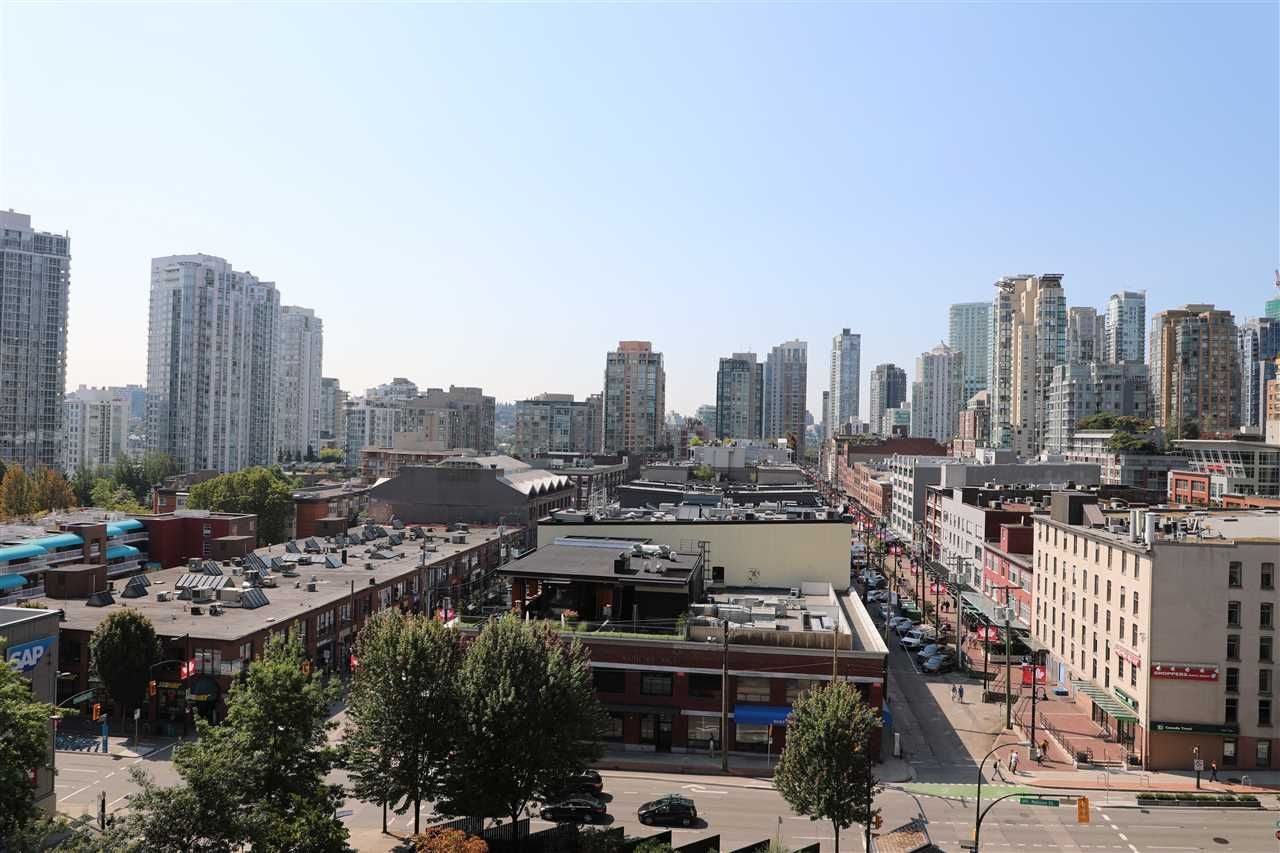 Main Photo: 1010 977 MAINLAND STREET in Vancouver: Yaletown Condo for sale (Vancouver West)  : MLS®# R2399694