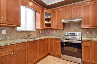 """Photo 8: 6351 167B Street in Surrey: Cloverdale BC House for sale in """"West Cloverdale"""" (Cloverdale)  : MLS®# R2475893"""