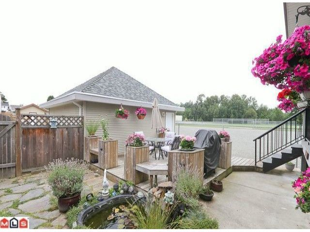 Photo 10: Photos: 7277 144TH Street in Surrey: East Newton House for sale : MLS®# F1120125