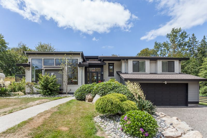 Main Photo: 347 192 STREET in South Surrey White Rock: Home for sale : MLS®# R2163762