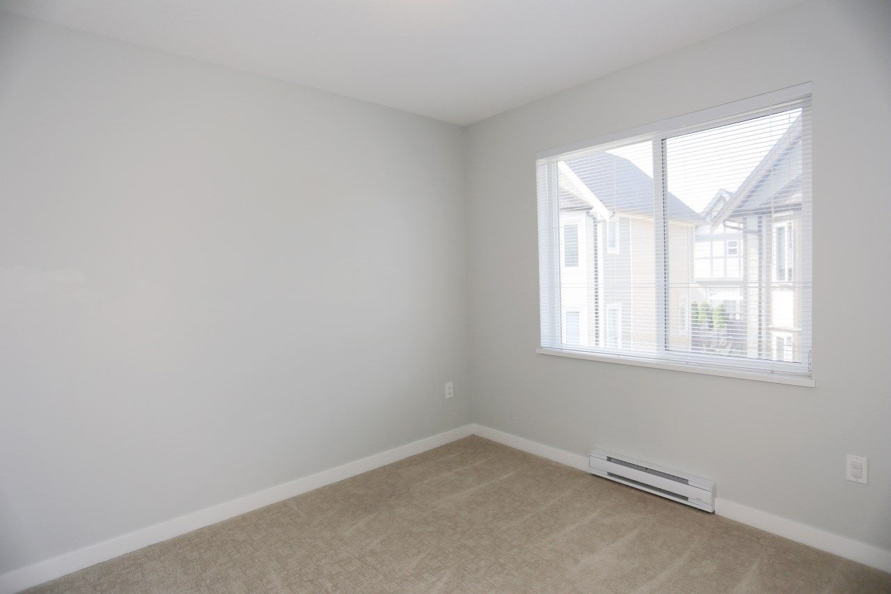 """Photo 16: Photos: 126 8138 204 Street in Langley: Willoughby Heights Townhouse for sale in """"Ashbury  & Oak"""" : MLS®# R2398814"""
