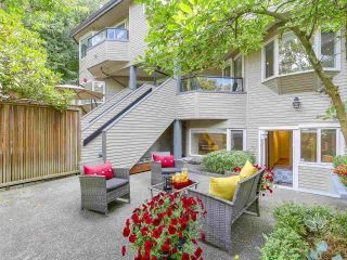 """Photo 18: 2411 W 1ST Avenue in Vancouver: Kitsilano Townhouse for sale in """"Bayside Manor"""" (Vancouver West)  : MLS®# R2191405"""