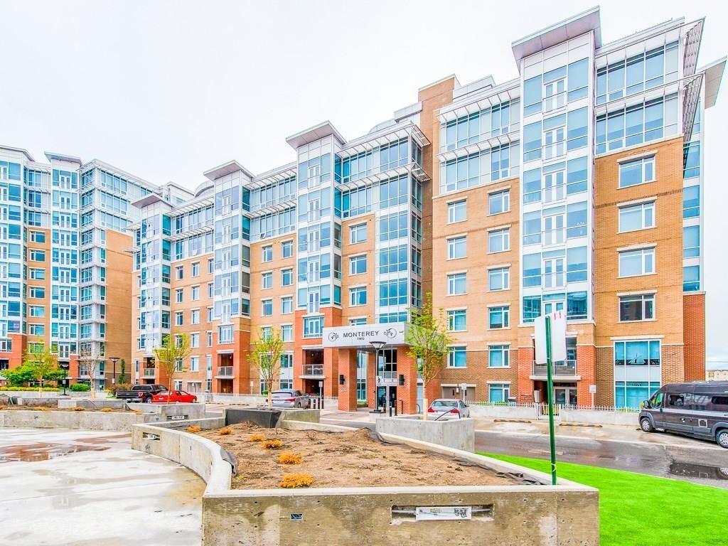 Main Photo: 403 24 VARSITY ESTATES Circle NW in Calgary: Varsity Apartment for sale : MLS®# C4194427