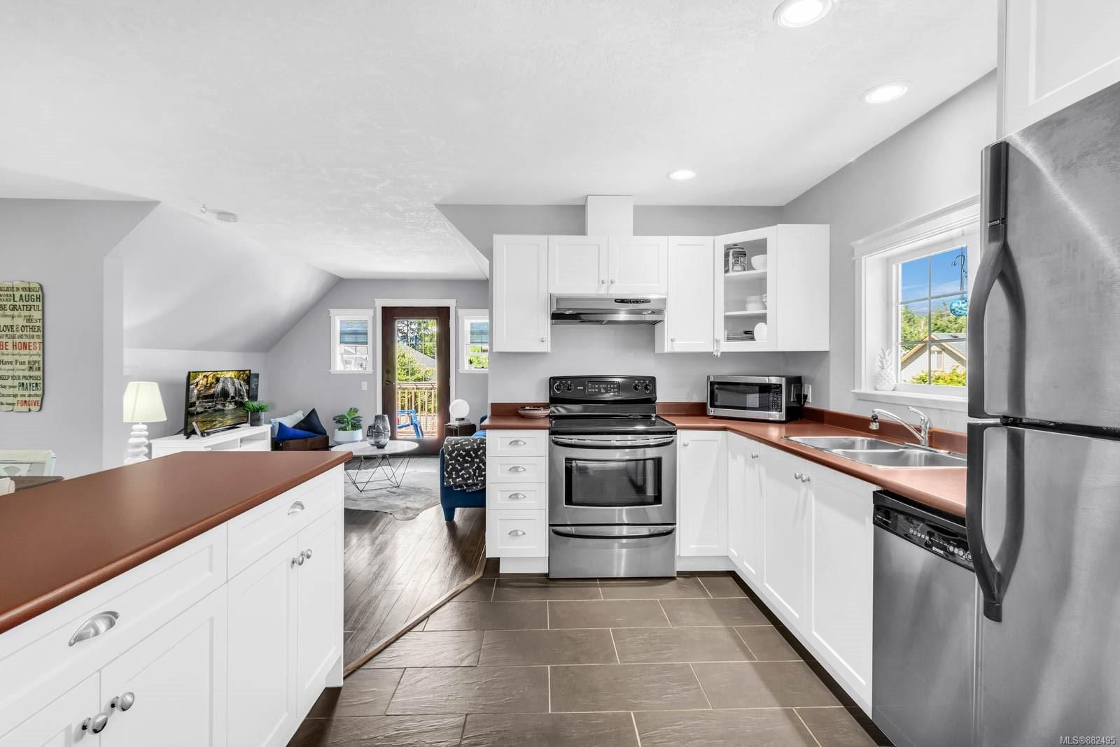 Photo 42: Photos: 375 Butchers Rd in : CV Comox (Town of) House for sale (Comox Valley)  : MLS®# 882495