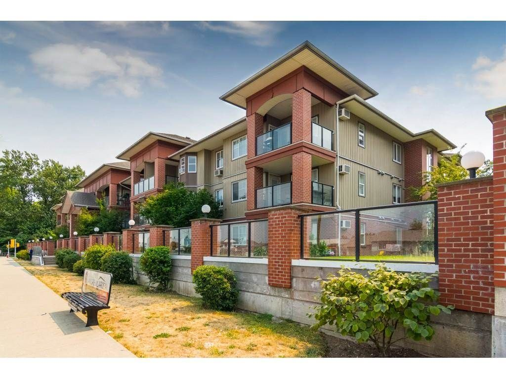 """Photo 1: Photos: 206 19774 56 Avenue in Langley: Langley City Condo for sale in """"Madison Station"""" : MLS®# R2582566"""