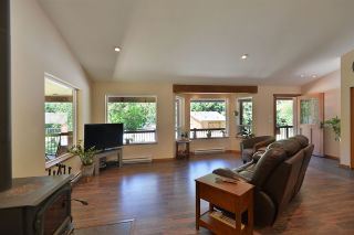 Photo 7: 6139 REEVES Road in Sechelt: Sechelt District House for sale (Sunshine Coast)  : MLS®# R2553170