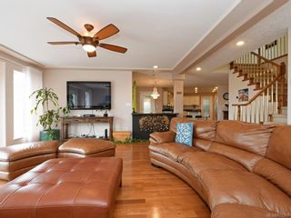 Photo 7: 4385 Wildflower Lane in : SE Broadmead House for sale (Saanich East)  : MLS®# 872387