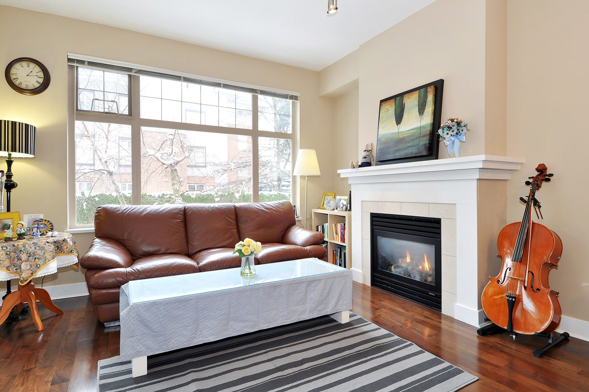 """Photo 2: Photos: 222 2083 W 33RD Avenue in Vancouver: Quilchena Condo for sale in """"DEVONSHIRE HOUSE"""" (Vancouver West)  : MLS®# R2341234"""