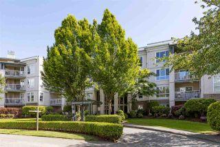 "Photo 3: 405 20200 54A Avenue in Langley: Langley City Condo for sale in ""Monterey Grande"" : MLS®# R2583766"
