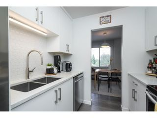 """Photo 4: 302 1720 SOUTHMERE Crescent in White Rock: Sunnyside Park Surrey Condo for sale in """"Capstan Way"""" (South Surrey White Rock)  : MLS®# R2602939"""